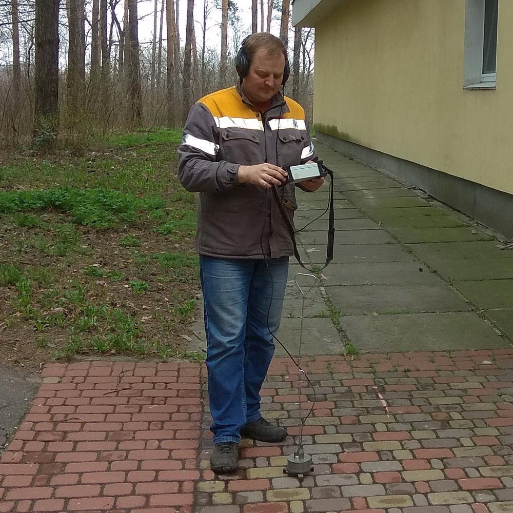 Пошук витоку води в підземних і прихованих трубопроводах